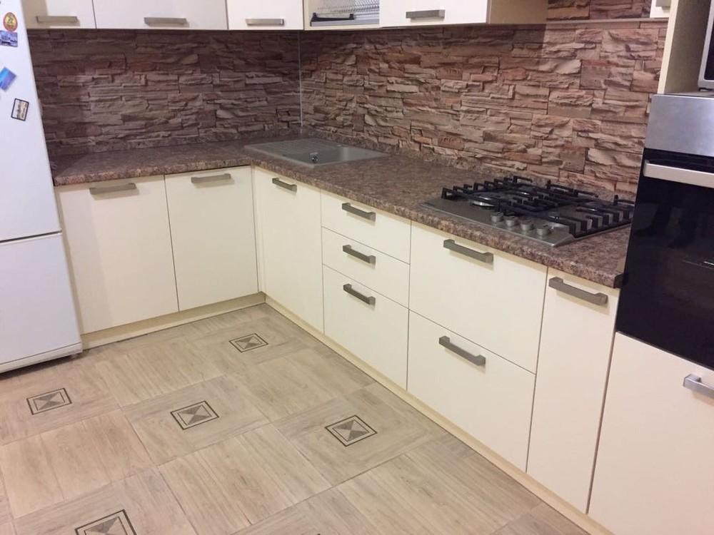 Белый кухонный гарнитур-Кухня МДФ в ПВХ «Модель 165»-фото7
