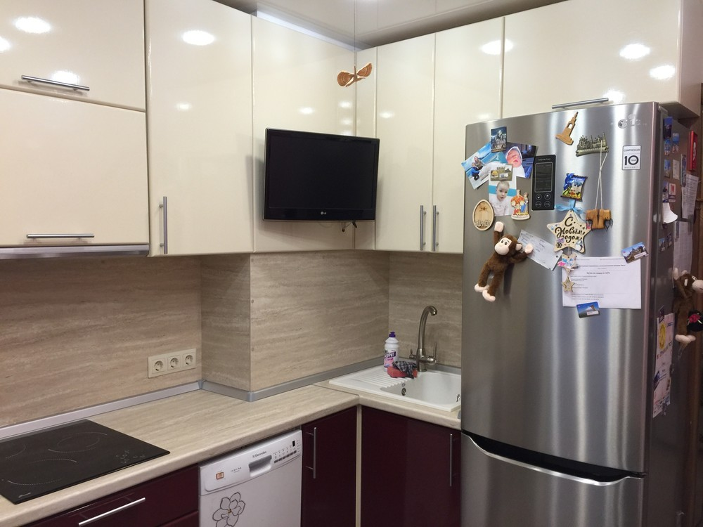 Белый кухонный гарнитур-Кухня МДФ в ПВХ «Модель 359»-фото2