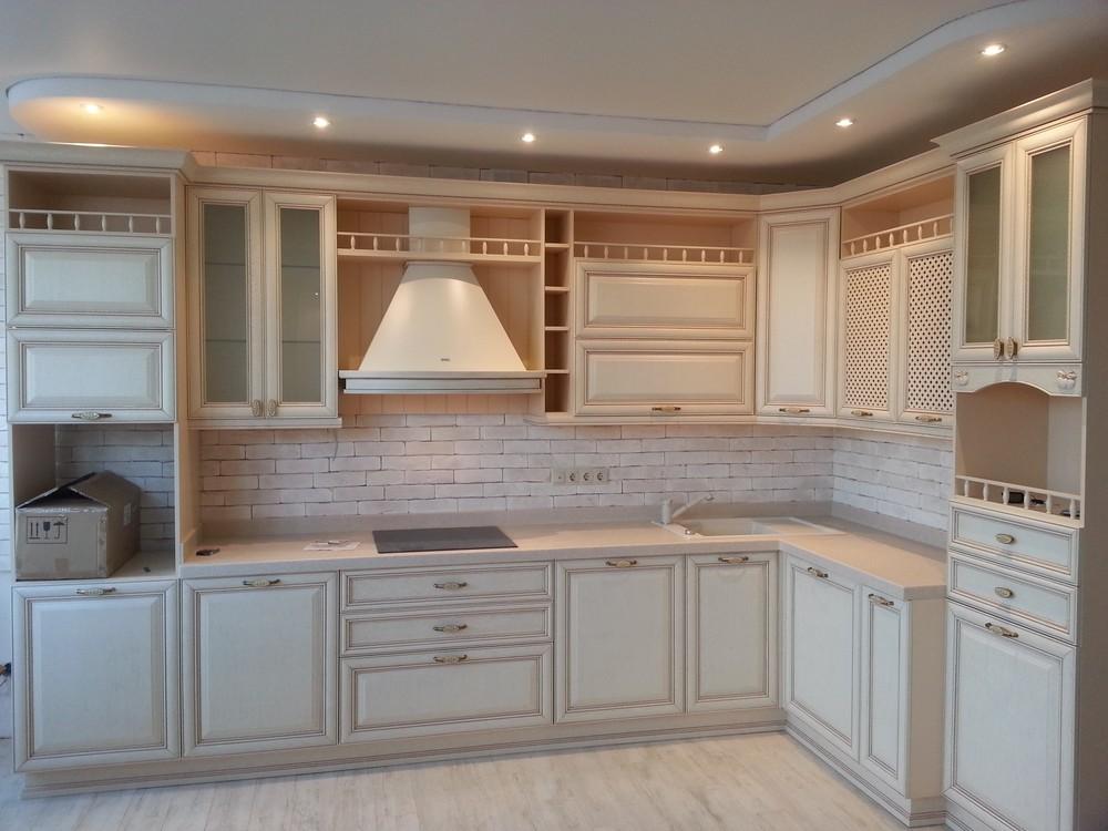 Белый кухонный гарнитур-Кухня из массива «Модель 276»-фото1