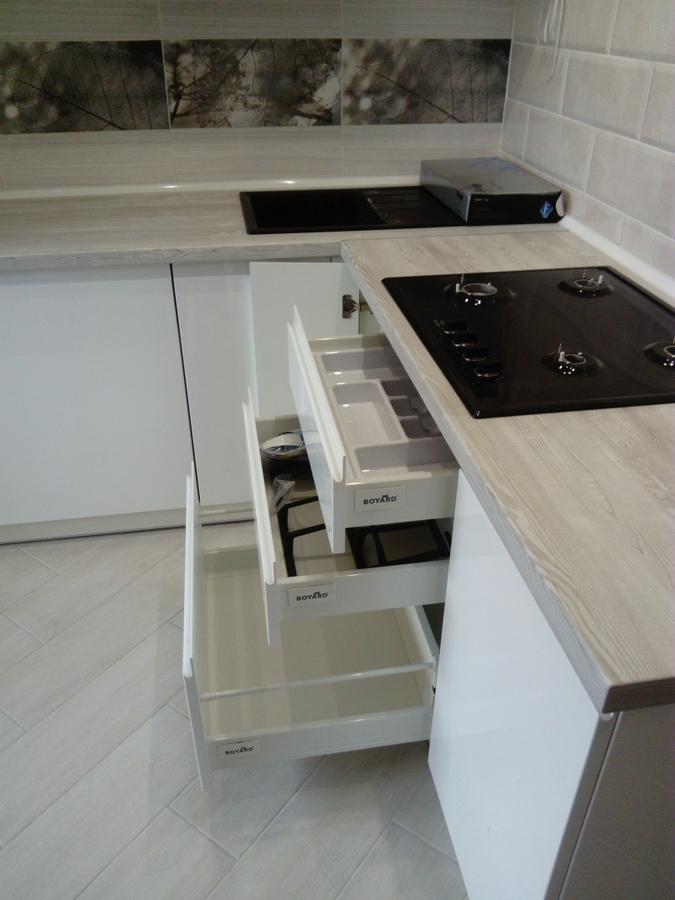 Белый кухонный гарнитур-Кухня МДФ в эмали «Модель 429»-фото8