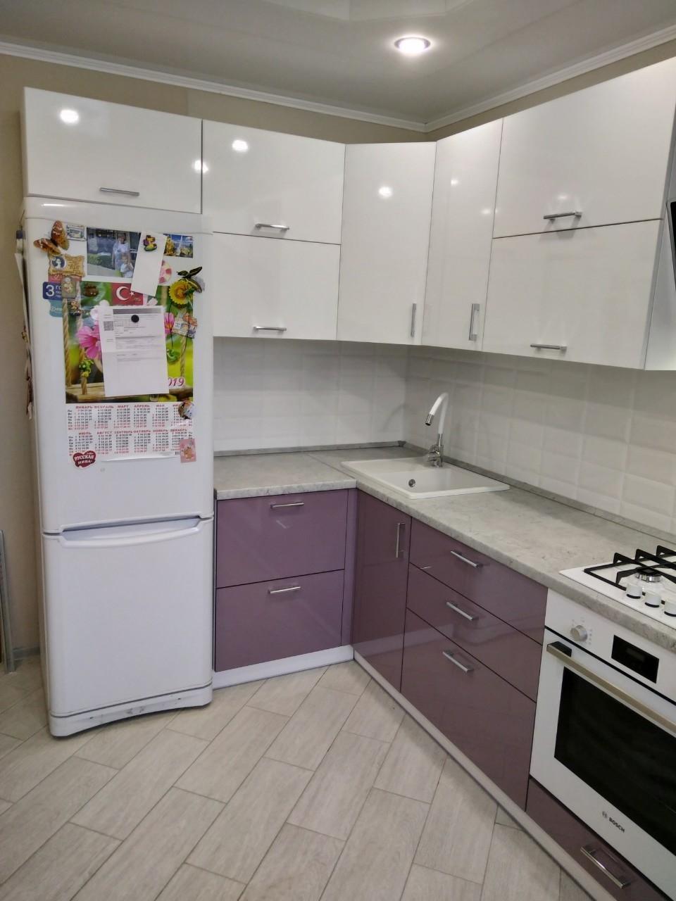 Белый кухонный гарнитур-Кухня МДФ в ПВХ «Модель 544»-фото1