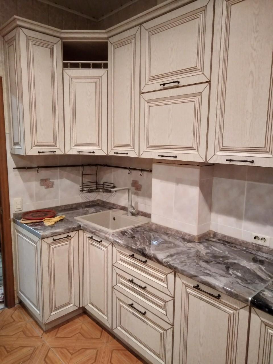 Белый кухонный гарнитур-Кухня МДФ в ПВХ «Модель 547»-фото3