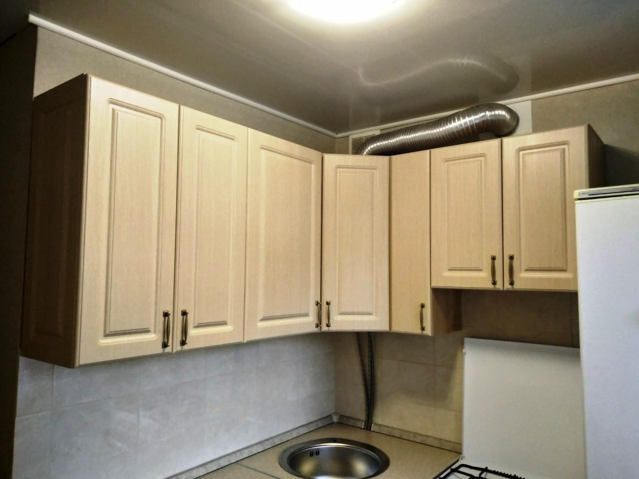 Белый кухонный гарнитур-Кухня МДФ в ПВХ «Модель 534»-фото3
