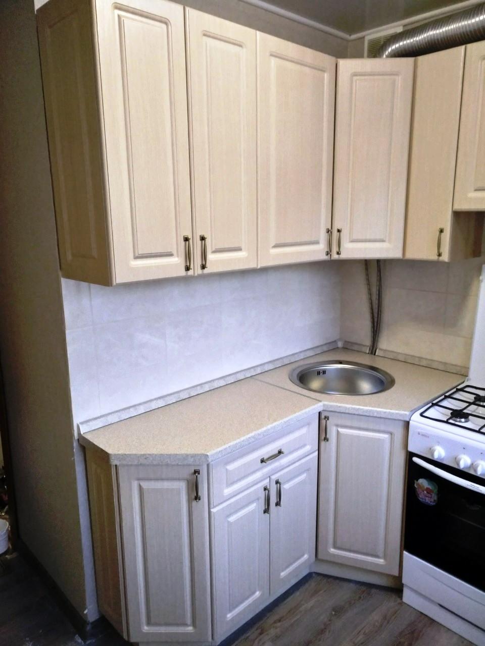 Белый кухонный гарнитур-Кухня МДФ в ПВХ «Модель 534»-фото1