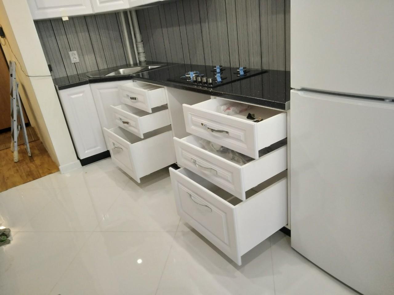 Белый кухонный гарнитур-Кухня МДФ в ПВХ «Модель 533»-фото6