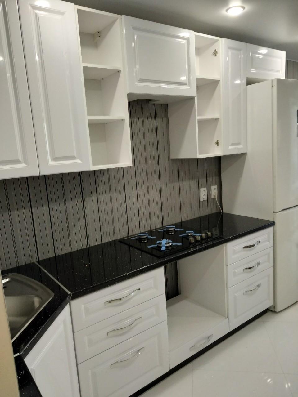 Белый кухонный гарнитур-Кухня МДФ в ПВХ «Модель 533»-фото3