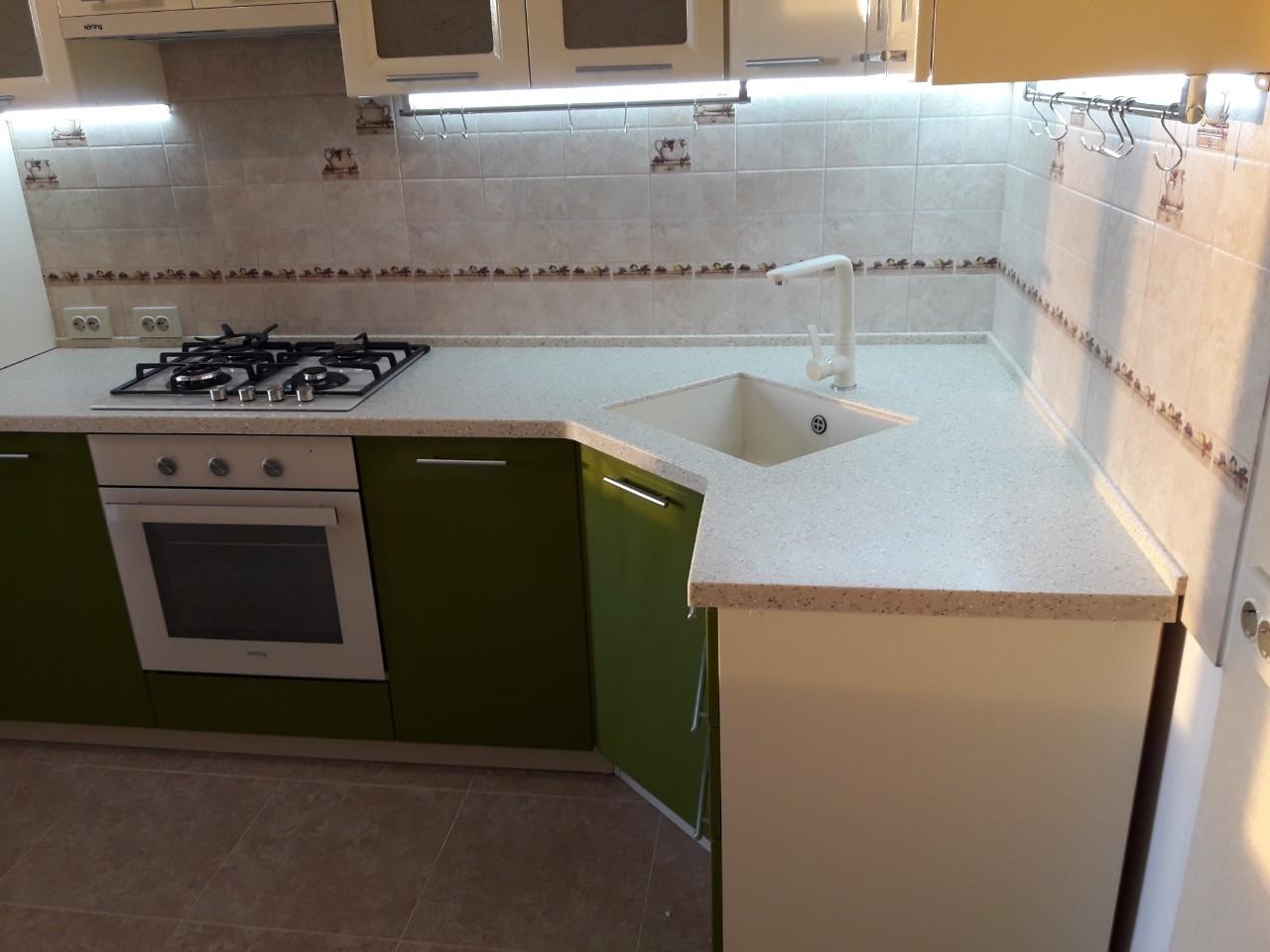 Белый кухонный гарнитур-Кухня МДФ в ПВХ «Модель 528»-фото3