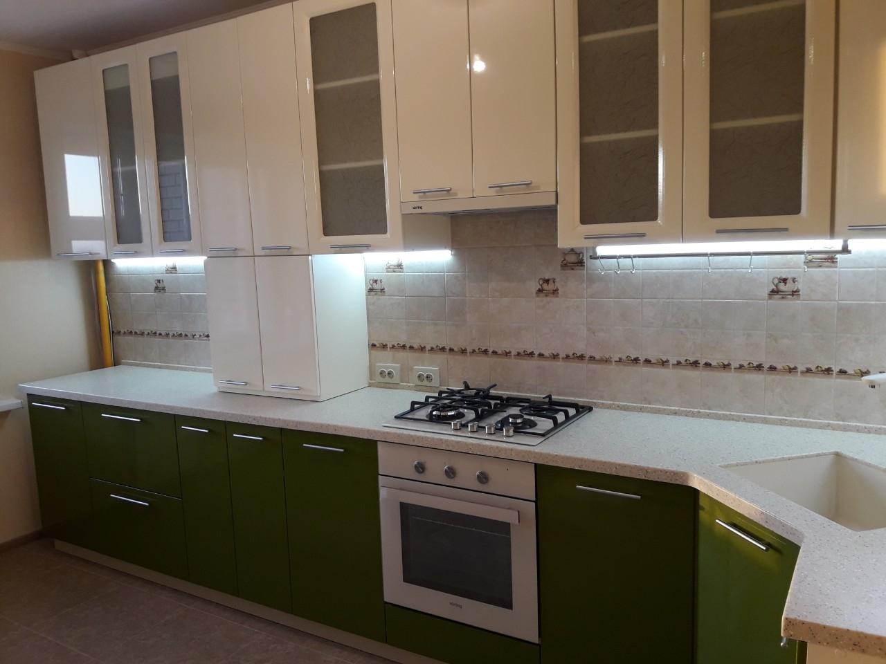 Белый кухонный гарнитур-Кухня МДФ в ПВХ «Модель 528»-фото2