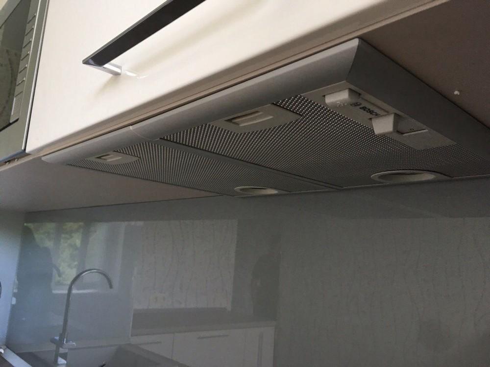 Белый кухонный гарнитур-Кухня МДФ в ПВХ «Модель 168»-фото1